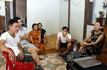 Người dân thôn Tồng Táng, xã Minh Tiến rất lo lắng về hoạt động nổ mìn, khai thác đá gây ảnh hưởng trực tiếp đến sinh hoạt hàng ngày.