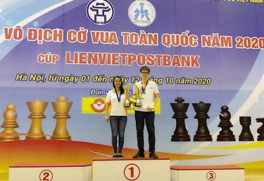 Hai vợ chồng kỳ thủ Phạm Lê Thảo Nguyên - Nguyễn Ngọc Trường Sơn giành ngôi vô địch cờ nhanh và cờ chớp.