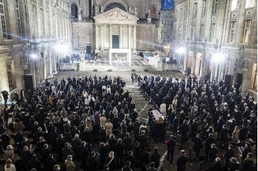 Lễ tưởng niệm tại trường Đại học Sorbonne.