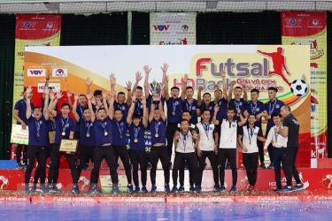 Thái Sơn Nam lên ngôi vô địch lần thứ 10.