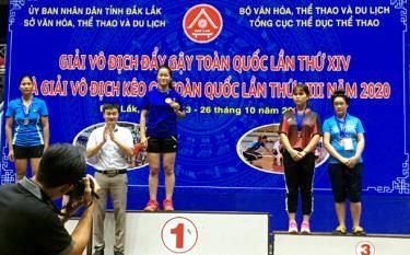 Vận động viên Hoàng Phương Chi xuất sắc đoạt Huy chương vàng môn đẩy gậy hạng 66 kg