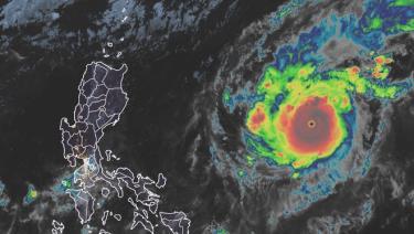 Goni đã mạnh lên, trở thành cơn bão mạnh nhất trên Trái Đất năm 2020.