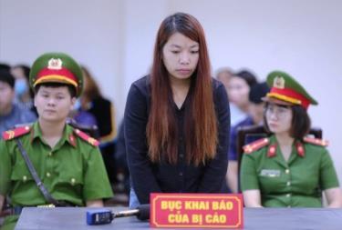 Bị cáo Thu tại phiên tòa xét xử về hành vi chiếm đoạt người dưới 16 tuổi