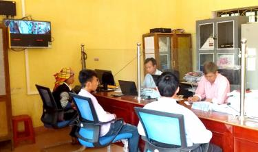 Bộ phận một cửa xã Lao Chải đáp ứng nhu cầu của nhân dân trong giải quyết các thủ tục hành chính. (Ảnh: Minh Huyền)