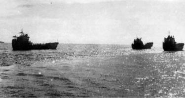 Những con tàu không số trên đường vào chiến trường. Ảnh tư liệu
