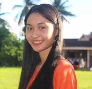Phương Anh vừa hoàn thành bài kiểm tra tiếng Anh đầu vào, sau khi giành học bổng Trái tim Sư tử của Đại học Anh Quốc Việt Nam.