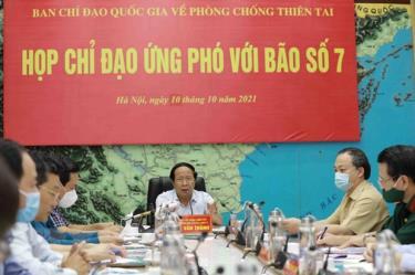 Phó Thủ tướng Lê Văn Thành phát biểu chỉ đạo công tác ứng phó với bão số 7.