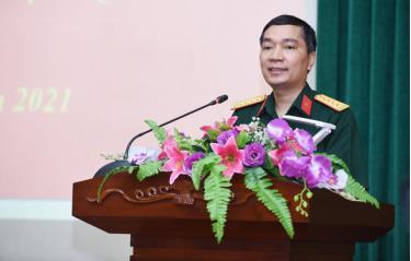 Đại tá Trần Ngọc Anh, phó cục trưởng Cục Tuyên huấn, phát biểu tại hội thảo
