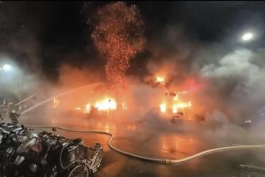 Cháy chung cư 13 tầng tại Đài Loan: Ít nhất 31 người thiệt mạng.