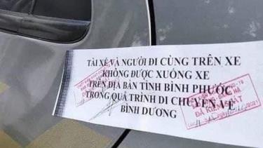 Hình ảnh cửa xe bị niêm phong được người dân chia sẻ trên mạng xã hội.
