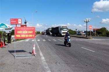 Hoạt động vận tải hành khách lưu thông nội tỉnh Nam Định vẫn duy trì. Ảnh minh họa.