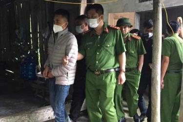 Nguyễn Lâm Tùng bị cơ quan công an bắt giữ. Ảnh Công an tỉnh Phú Thọ