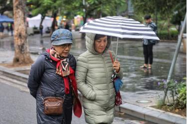 Từ đêm nay Hà Nội có mưa dông và chuyển rét