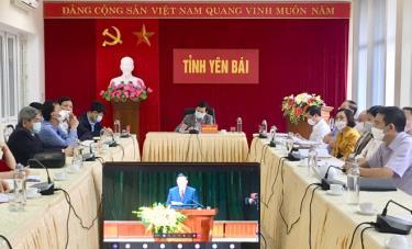 Các đại biểu tham dự Lễ trao giải Cuộc thi tại điểm cầu Yên Bái.