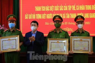 Chủ tịch UBND tỉnh Bắc Giang Lê Ánh Dương khen thưởng tập thể và cá nhân phá án