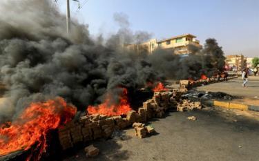 Hình ảnh trên đường phố thủ đô Khartoum của Sudan hôm 25/10.