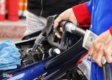Giá xăng dầu thành phẩm bình quân trên thị trường thế giới dùng để tính giá cơ sở tăng 59,08-76,03%, trong khi giá xăng dầu trong nước từ đầu năm đến nay tăng 40,23-52,59%.