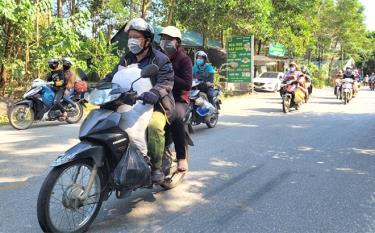 Đến nay, tỷ lệ người đội MBH khi đi xe mô tô, xe gắn máy, xe đạp điện đã đạt trên 95%, góp phần quan trọng đối với việc giảm tai nạn giao thông (TNGT) trên cả 3 tiêu chí. (Ảnh: Minh Huyền)