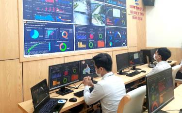 Trung tâm IOC thành phố Yên Bái vận hành 11 phân hệ dịch vụ làm tiền đề xây dựng thành phố thông minh.