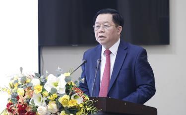Đồng chí Nguyễn Trọng Nghĩa, Bí thư Trung ương Đảng, Trưởng Ban Tuyên giáo Trung ương phát biểu chỉ đạo tại Hội thảo.
