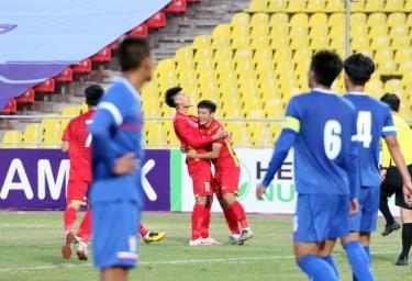 U23 Việt Nam nhận thưởng nóng 300 triệu đồng sau trận đầu ra quân.