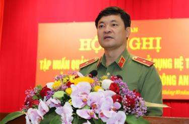 Thiếu tướng Vũ Hữu Tài - Phó Chánh văn phòng, Bộ Công an phát biểu tại lớp tập huấn