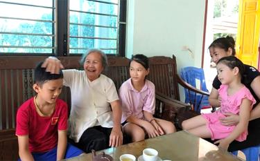A family of four generations living in harmony in Xuan Ai commune, Van Yen district.