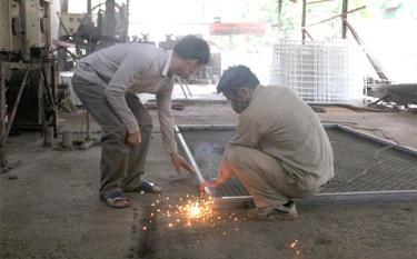 Các lớp học nghề, giúp cho người lao động có việc làm, tạo thu nhập ổn định.