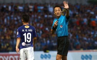 Trọng tài Jumpei Iida từng cầm còi ở V-League 2017