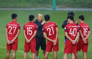 Huấn luyện viên Park Hang-seo bổ sung 3 cầu thủ từ U22 Việt Nam lên tuyển quốc gia.