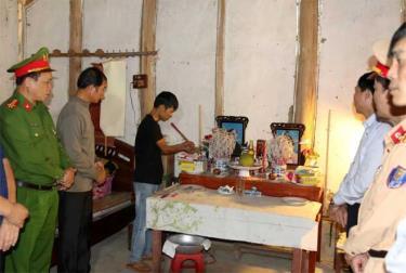 Lãnh đạo Ban An toàn giao thông tỉnh thăm hỏi gia đình anh Phạm Anh Sơn - thôn Trung Tâm, xã Thịnh Hưng, huyện Yên Bình.