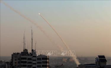 Rocket được nã từ Dải Gaza về phía lãnh thổ Israel ngày 12/11/2019.