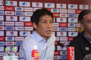 HLV Akira Nishino trong cuộc họp báo sau trận ĐT Việt Nam 0-0 ĐT Thái Lan.