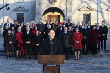 Thủ tướng Canada Justin Trudeau và các thành viên nội các mới.