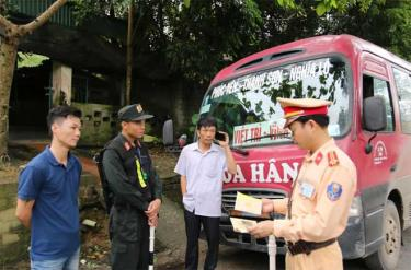 Cảnh sát cơ động và Cảnh sát giao thông, Công an tỉnh Yên Bái thường xuyên phối hợp triển khai tuần tra, kiểm soát theo các chuyên đề.
