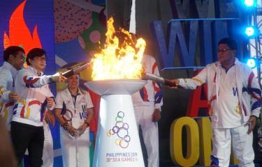 Lễ thắp và rước ngọn đuốc SEA Games 30, Philippines.