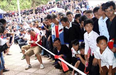 Các môn thể thao dân tộc được đưa vào thi đấu trong các giải thể thao và các dịp lễ, hội của huyện thu hút đông đảo người dân tham gia.
