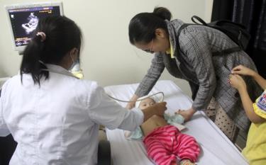 Children given free heart screenings at Yen Bai Hospital of Obstetrics and Peadiatrics.
