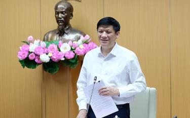 GS.TS Nguyễn Thanh Long phát biểu tại cuộc họp.