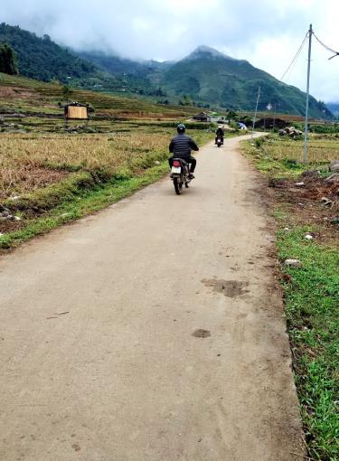 Đường giao thông nông thôn được cứng hóa giúp người dân Nậm Có đi lại thuận lợi.