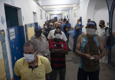 Số ca mắc COVID-19 tại Brazil đã vượt ngưỡng 6 triệu trường hợp.