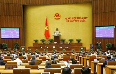 Quốc hội biểu quyết thông qua Nghị quyết về phân bổ ngân sách trung ương năm 2021.
