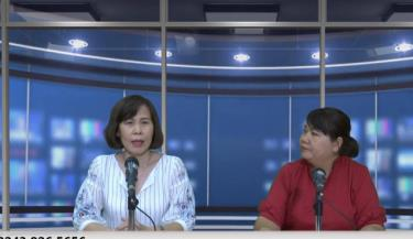 TS.BS Đỗ Minh Loan trao đổi tại phòng thu trực tiếp với phóng viên VOV2