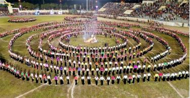 The massive Xoe Thai dance at Muong Lo festival 2020.