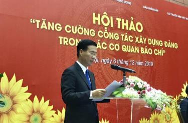 Đồng chí Võ Văn Thưởng, Ủy viên Bộ Chính trị, Trưởng Ban Tuyên giáo Trung ương dự và chỉ đạo Hội thảo