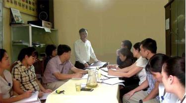 Lãnh đạo Chi cục Dân số - Kế hoạch hóa gia đình giám sát thực hiện mục tiêu công tác dân số tại cơ sở.