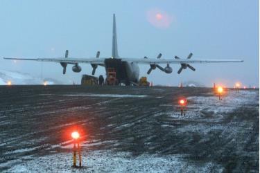 Máy bay C-130 Hercules tại căn cứ không quân Tổng thống Eduardo Frei Montalva năm 2004.