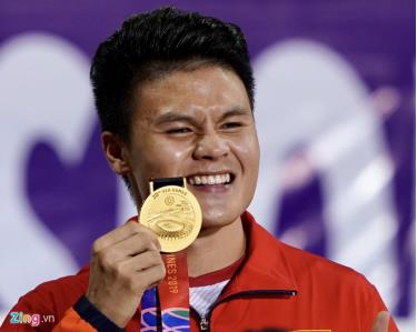 Quang Hải vui mừng khi cùng U22 Việt Nam giành HCV SEA Games 30, được tổ chức tại Philippines.