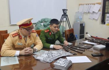 Hàng loạt biển số giả bị cơ quan chức năng ở Hà Nội phát hiện, xử lý (Ảnh minh họa).