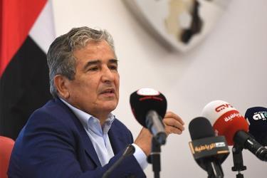 HLV Jorge Luis Pinto chính thức bị sa thải chỉ sau 5 tháng